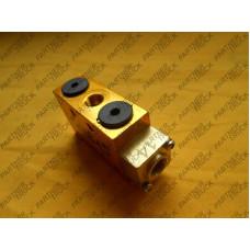Клапан пневматический КПП RENAULT MAGNUM