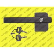 Ручка двери правая наружная  с личинкой DAF (95XF)
